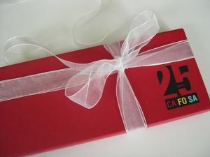 Caja conmemorativa del 25 aniversario de una empresa