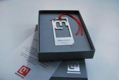 Punto de libro personalizado en packaging de prestigio